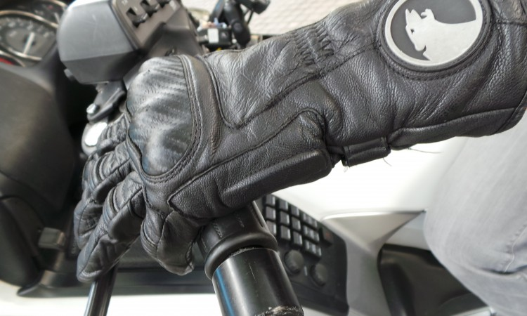 Gant moto en cuir